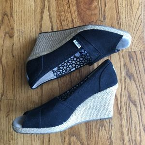 Toms Black Wedges, 8.5